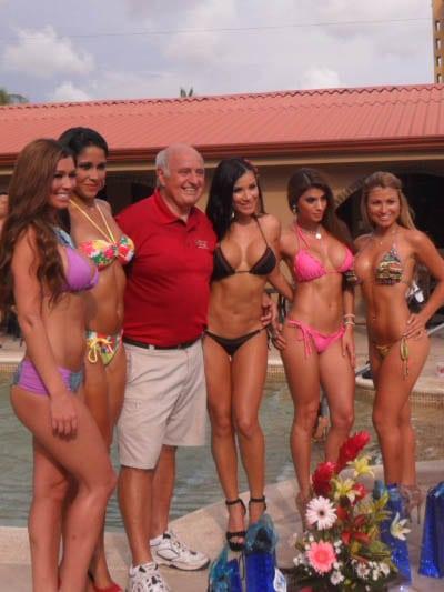 Jaco beach women